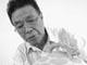 """夏侯文,江西分宜人,1935年出生,1963年毕业于景德镇陶瓷学院美术系。现为中国工艺美术大师,高级工艺美术师。1991年被授予为""""浙江省工艺美术大师"""";"""